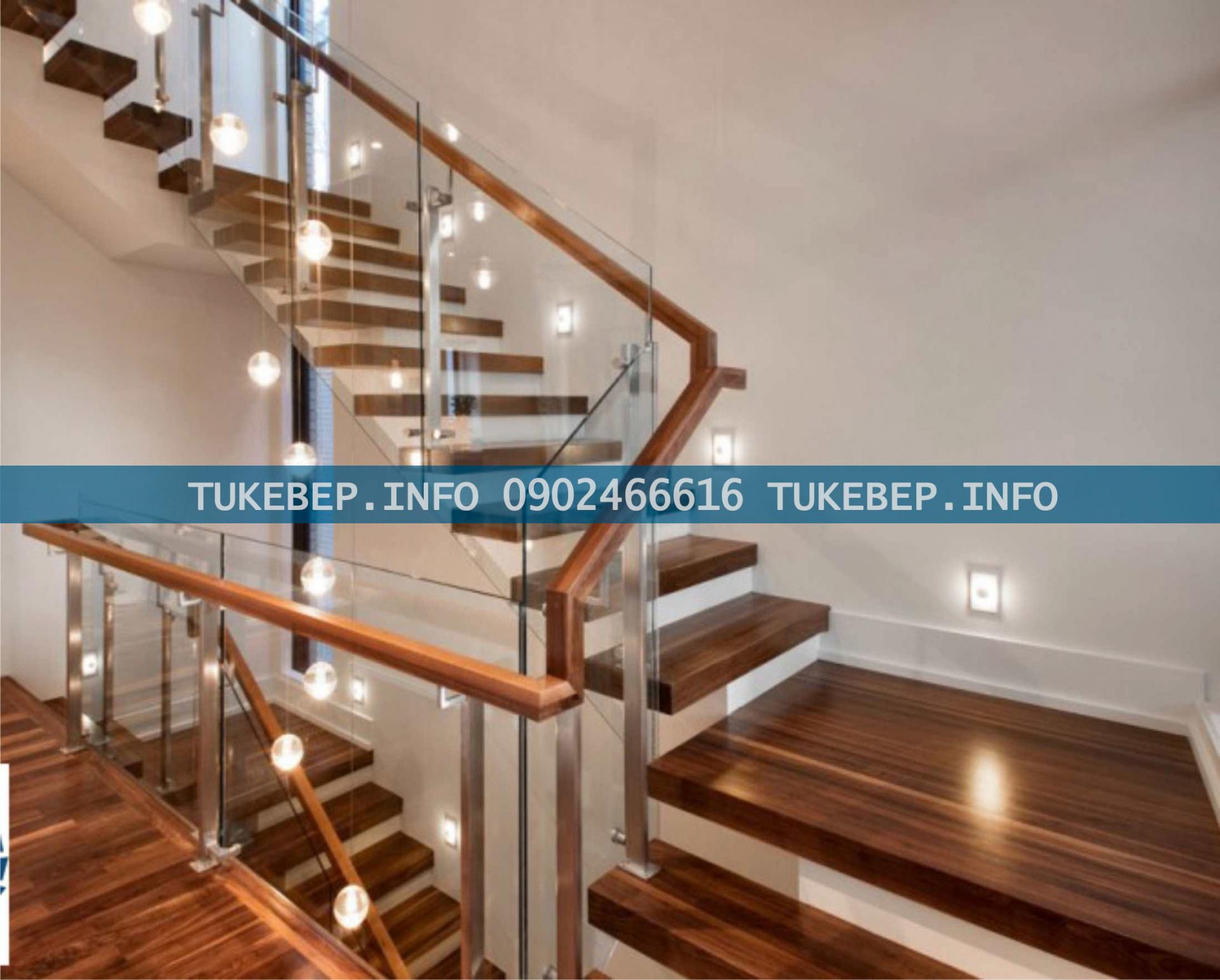 Cầu thang ốp gỗ công nghiệp sang trọng, hiện đại cho gia đình bạn