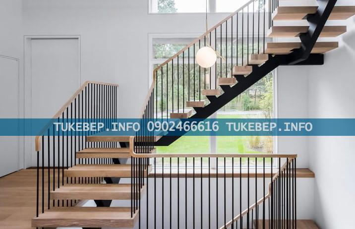 Cầu thang gỗ công nghiệp, đơn giản tinh tế